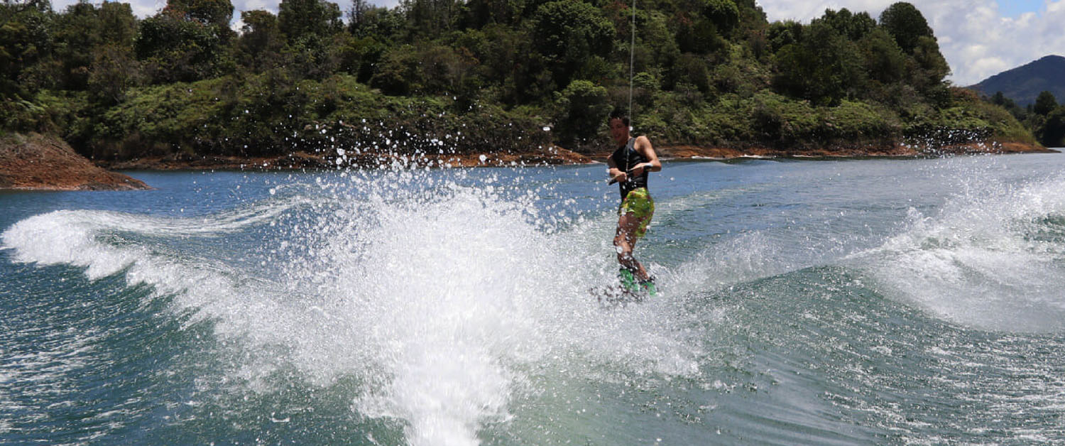 WATERSKI - GUATAPE